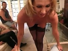 Cockloving shemale gives oral job in foursome orgy