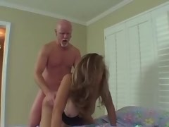Hot cockloving shemale sucks cock and gets blowjob