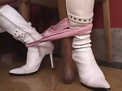 Blond tranny in white leather boots does BJ to guy