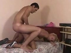 Blonde shemale gets cum after deep fuck in asshole