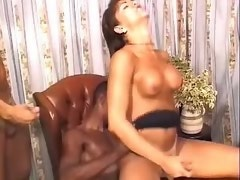 Shemale cums on dude after groupsex