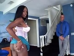 Ebony tranny n white man suck cocks