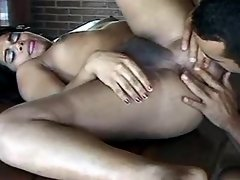 Guy tastes n fingers hot exotic ts